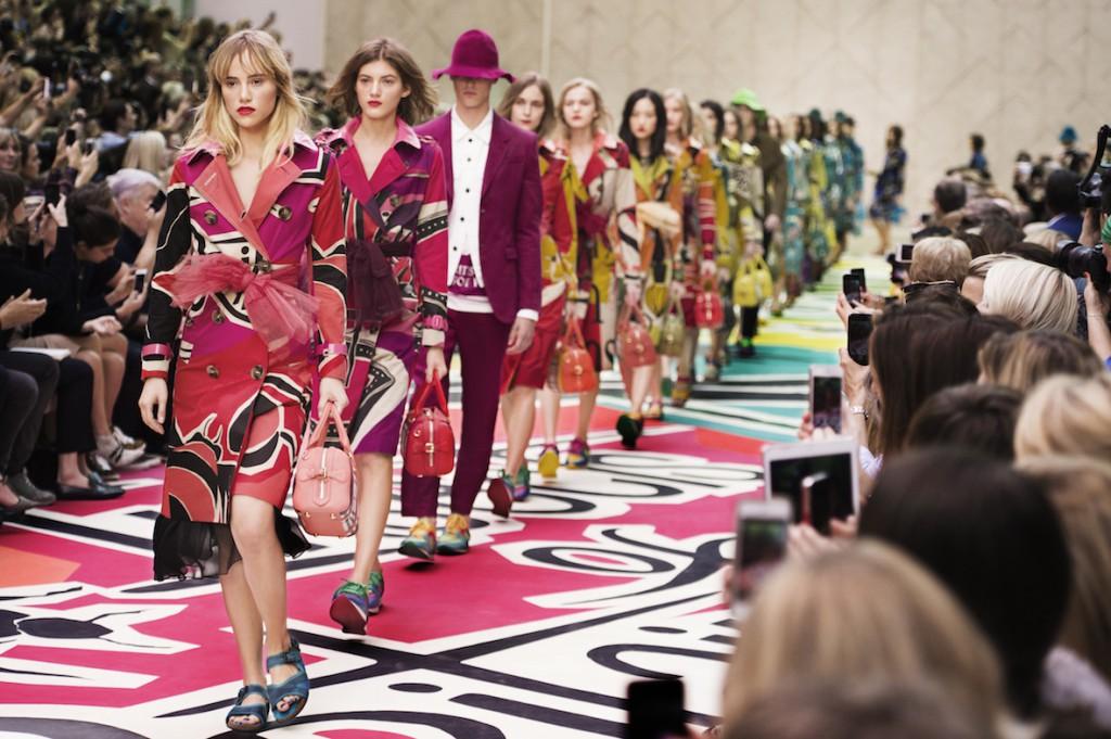 Burberry Prorsum Womenswear Spring Summer 2015 Show Final_001 copy