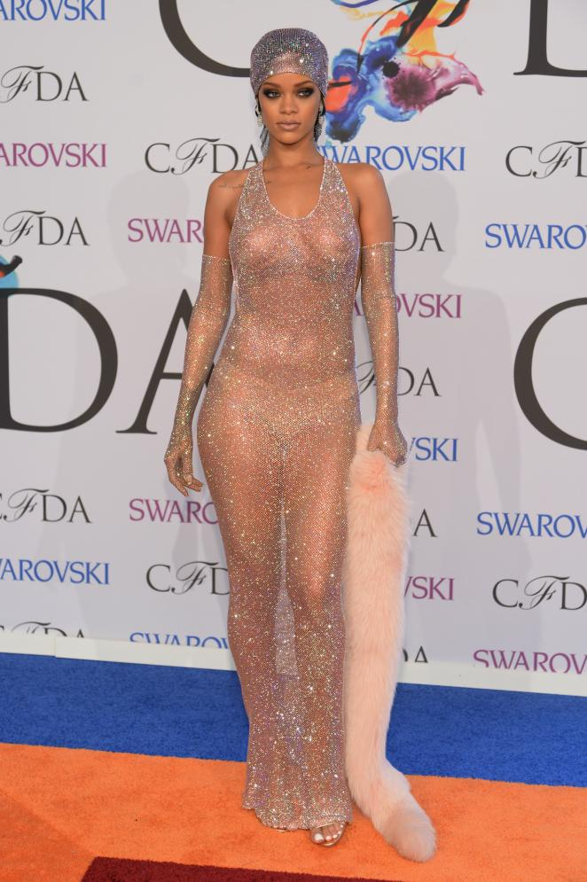 RIHANNA RED CARPET DRESS - Jandese Reped