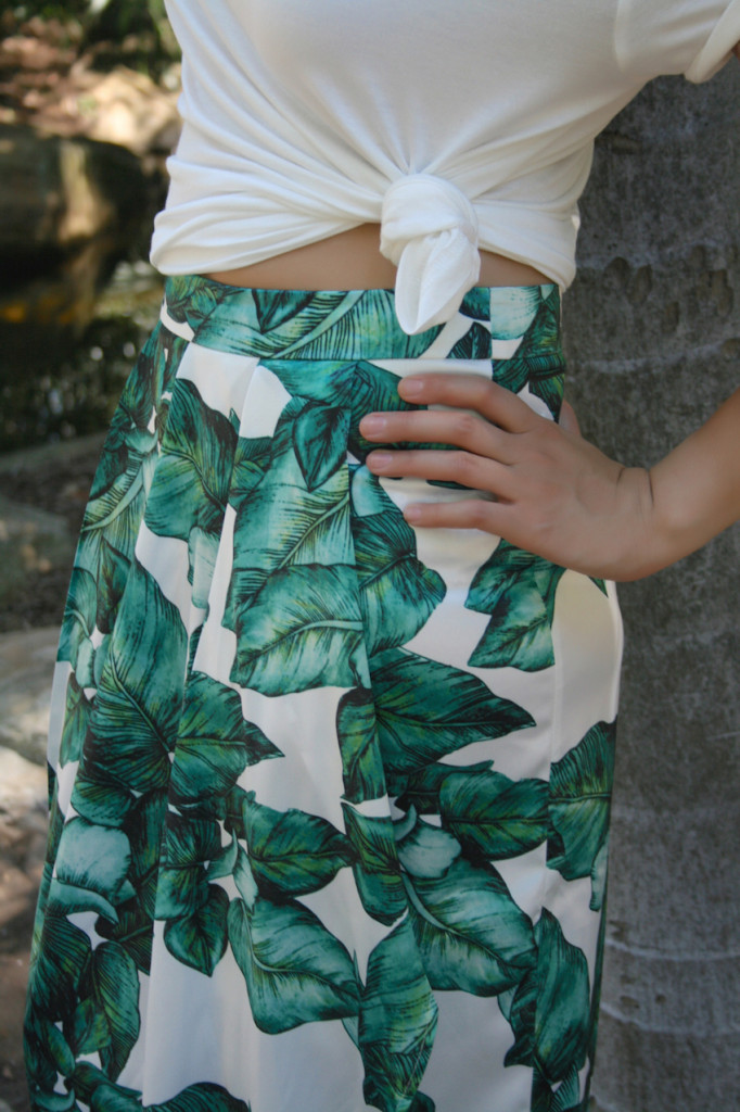 Floral Green Long Skirt white T Shirt details